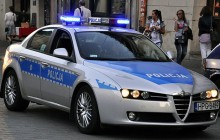 Pijany kierowca ukrył się przed policjantami w trawie