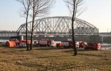 Strażacy oczyścili Wisłę z rozpuszczalnika [ zdjęcia ]