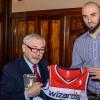 Marcin Gortat z wizytą u Prezydenta Krakowa Jacka Majchrowskiego [ zdjęcia ]