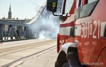 Kraków: Bomba na kładce i wypadek na moście [Zdjęcia]