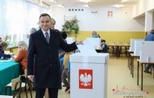 Wybory Parlamentarne 2015: Andrzej Duda oddał swój głos w Krakowie [ zdjęcia ]