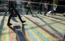 Kolorowy dywan Leona Tarasewicza na Dworcu Głównym [ zdjęcia ]