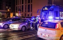 Wypadek na Placu Bohaterów Getta. Dwie osoby poszkodowane [ zdjęcia ]