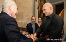 Prezydent wręczył wyróżnienie milionowemu turyście MHK