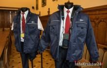 Komunikacja: kontrolerzy biletów w mundurach [ zdjęcia ]