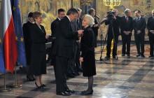 Prezydent Bronisław Komorowski odznaczył ludzi kultury