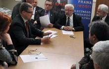Gilarski i Tatara wykluczeni z klubu radnych PIS