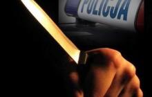 Nowa Huta: Policja zatrzymała trzech nastolatków biegających z nożami i gazem