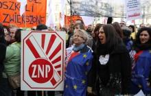 ?NIE? DLA POLITYKI OŚWIATOWEJ WŁADZ KRAKOWA- Setki protestujący pod Magistratem [zdjęcia +video]