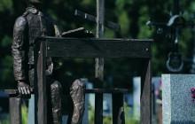 Zdewastowali i okradli grób Tadeusza Kantora
