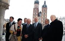Politycy SLD od Małopolski rozpoczęli objazd kraju - zapowiedzieli, że będą bronić Narodowego Funduszu Rewaloryzacji Zabytków Krakowa [ zdjęcia ]