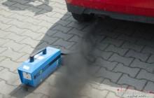 Policja kontroluje spaliny samochodowe. 17 dowodów rejestracyjnych zatrzymanych