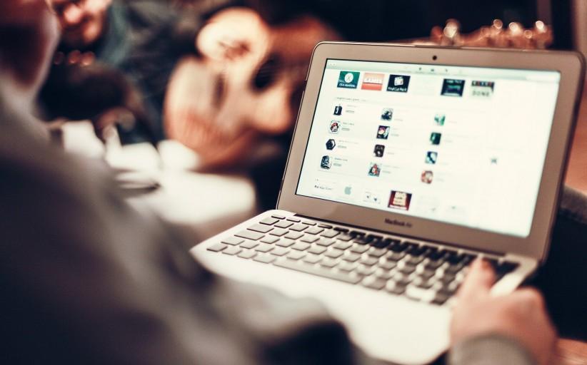 Gdzie szukać elastycznych pakietów łączonych usług telewizji i Internetu?
