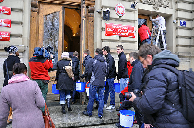 Zima zaatakowała Małopolskę a Wojewoda na urlopie