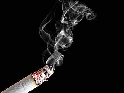 To ostatni weekend z papierosem przy kawiarnianym stoliku.