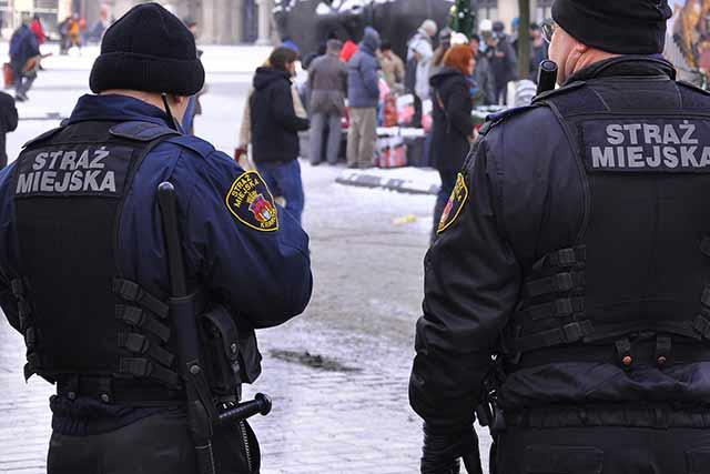 Zasłużone brawa dla strażnika miejskiego