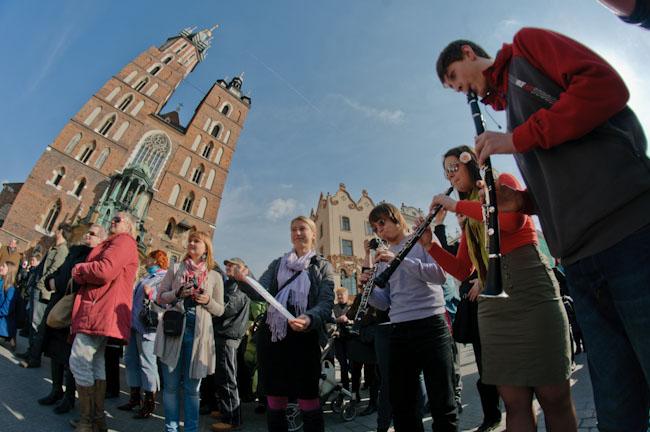 Kraków budzi wiosnę na Rynku Głównym