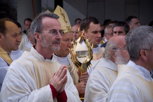 120 tys. pielgrzymów modliło się w Sanktuarium w Łagiewnikach (Video + Zdjęcia -aktualizacja )