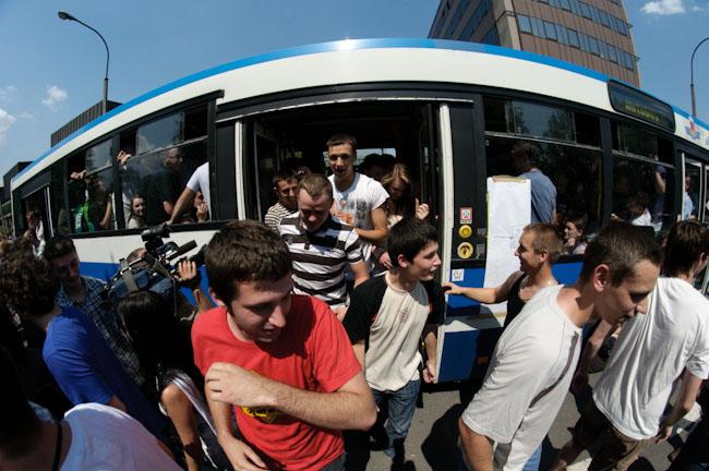 233 osoby w autobusie - rekord guinnessa pobity !!! ( zobacz zdjęcia )