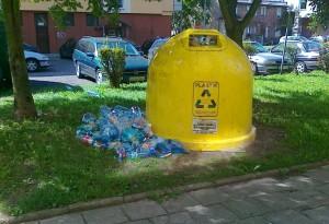 Wandale niszczą dzwony!!! - MPO prosi o pomoc Straż Miejską