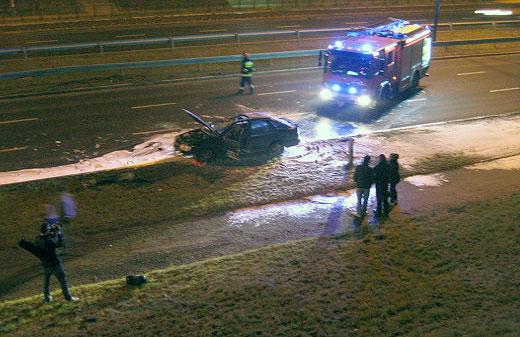 Śmiertelny wypadek na Wielickiej - Zginął kierowca Forda Sierra [aktualizacja zdjęcia + video]