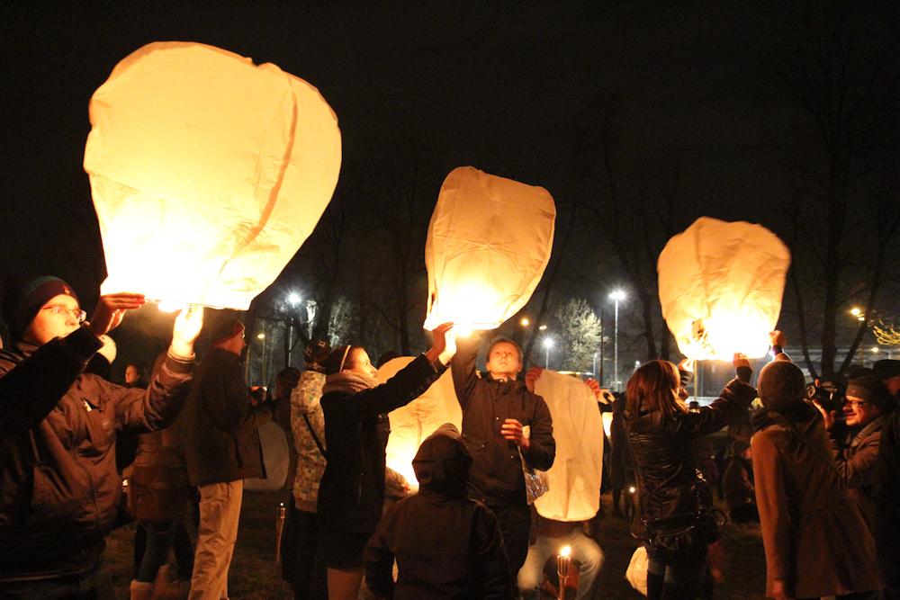 Lampiony Wolności nad krakowskim niebem [ZOBACZ ZDJĘCIA]