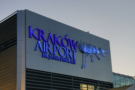 Nowe połączenia lotnicze z Ukrainą przed Mistrzostwami Europy