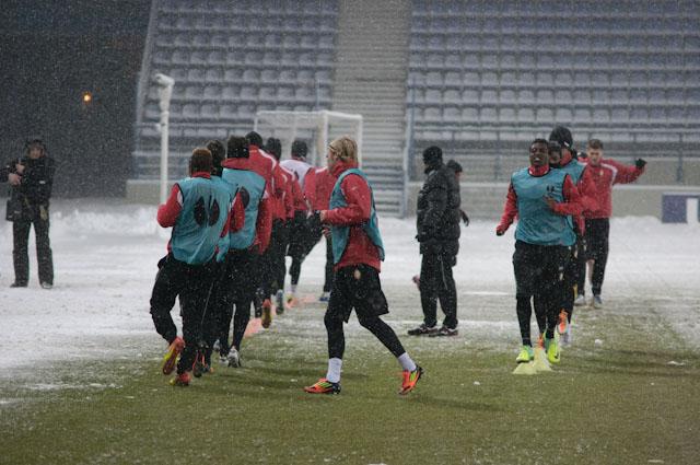 Trening piłkarzy Standardu Liege przed meczem z Białą Gwiazdą (zobacz zdjęcia)