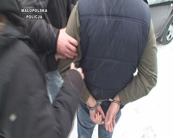 Szajka włamywaczy zatrzymana przez policję [ZDJĘCIA]