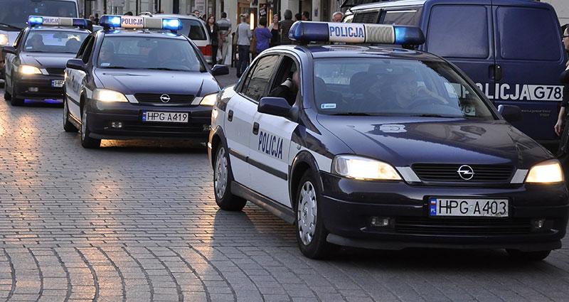 SOS Z KANAŁU - Pijany student utknął w kanale