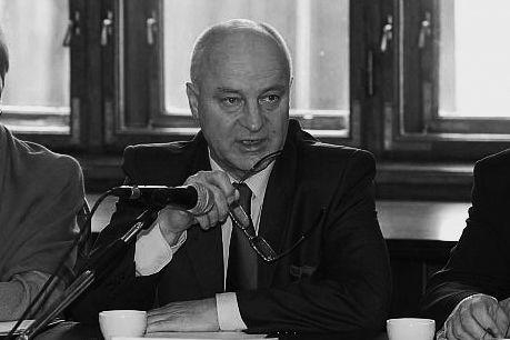 Odszedł prof. Andrzej Oklejak