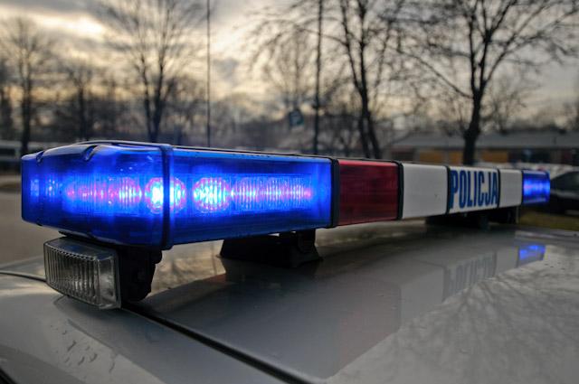 Naćpany kierowca uderzył w radiowóz