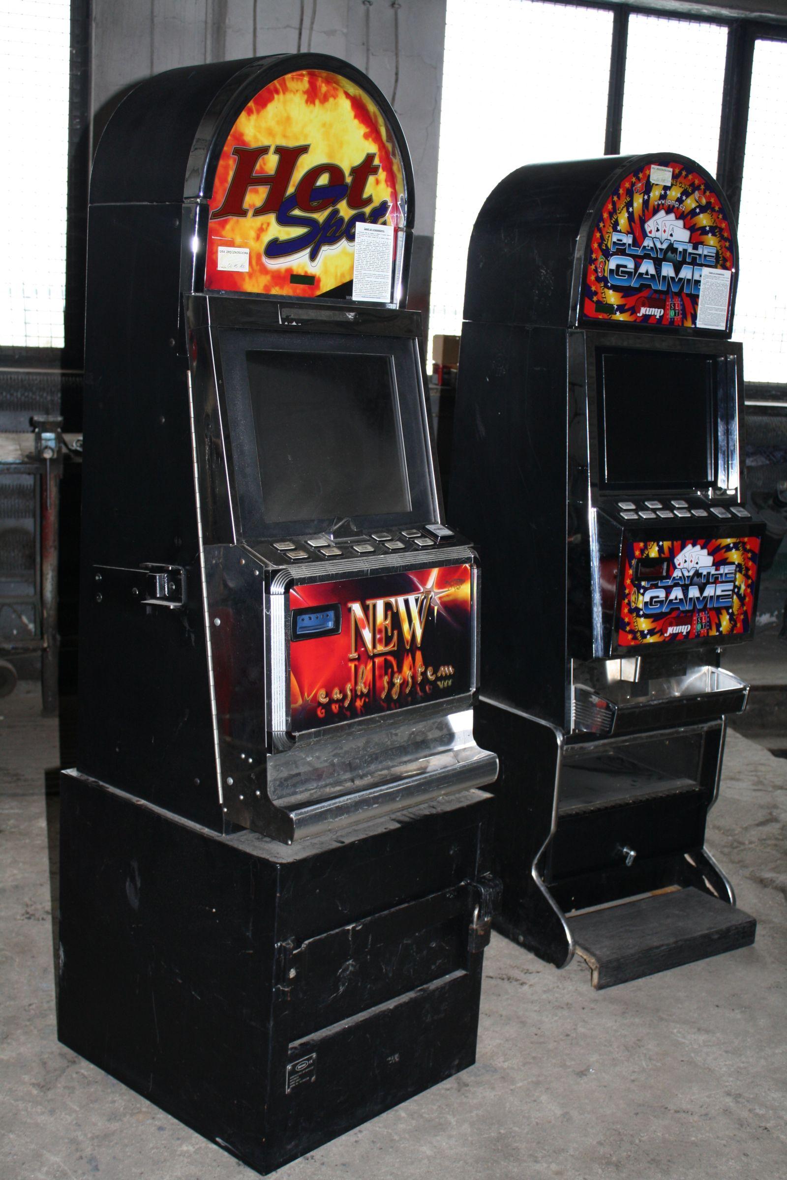 Sucha Beskidzka: Sprawcy włamania i kradzieży automatów do gier hazardowych zatrzymani