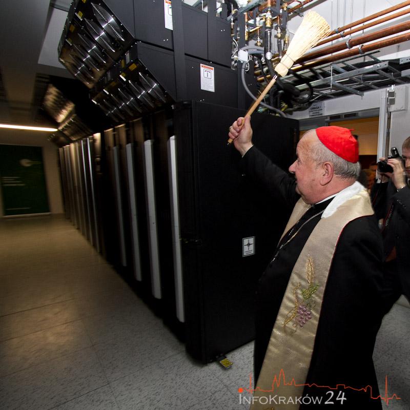 Superkomputer ZEUS dla polskich naukowców [ zdjęcia ]