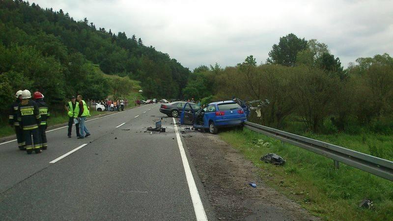 Witowice Dolne: Tragiczny wypadek na DK 75. Nie żyje kobieta i dziecko