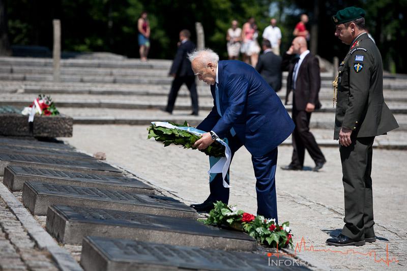 Prezydent Grecji oddał hołd ofiarom niemieckiego obozu Auschwitz oraz zwiedził Kraków