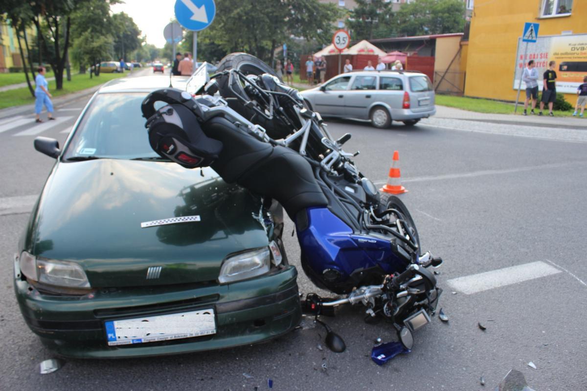 Oświęcim: Zderzenie samochodu z motocyklistą