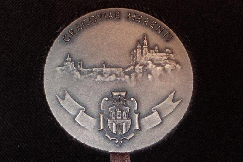 Cracoviae Merenti dla ważnych krakowskich instytucji