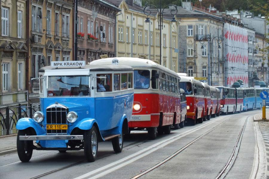 Zabytkowe autobusy przejadą przez Kraków