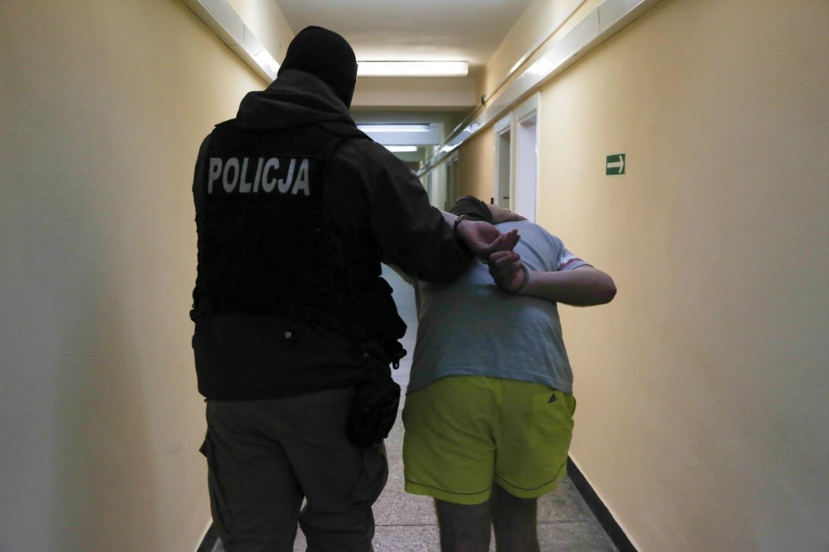Małopolscy policjanci zatrzymali dwóch sprawców podpalenia