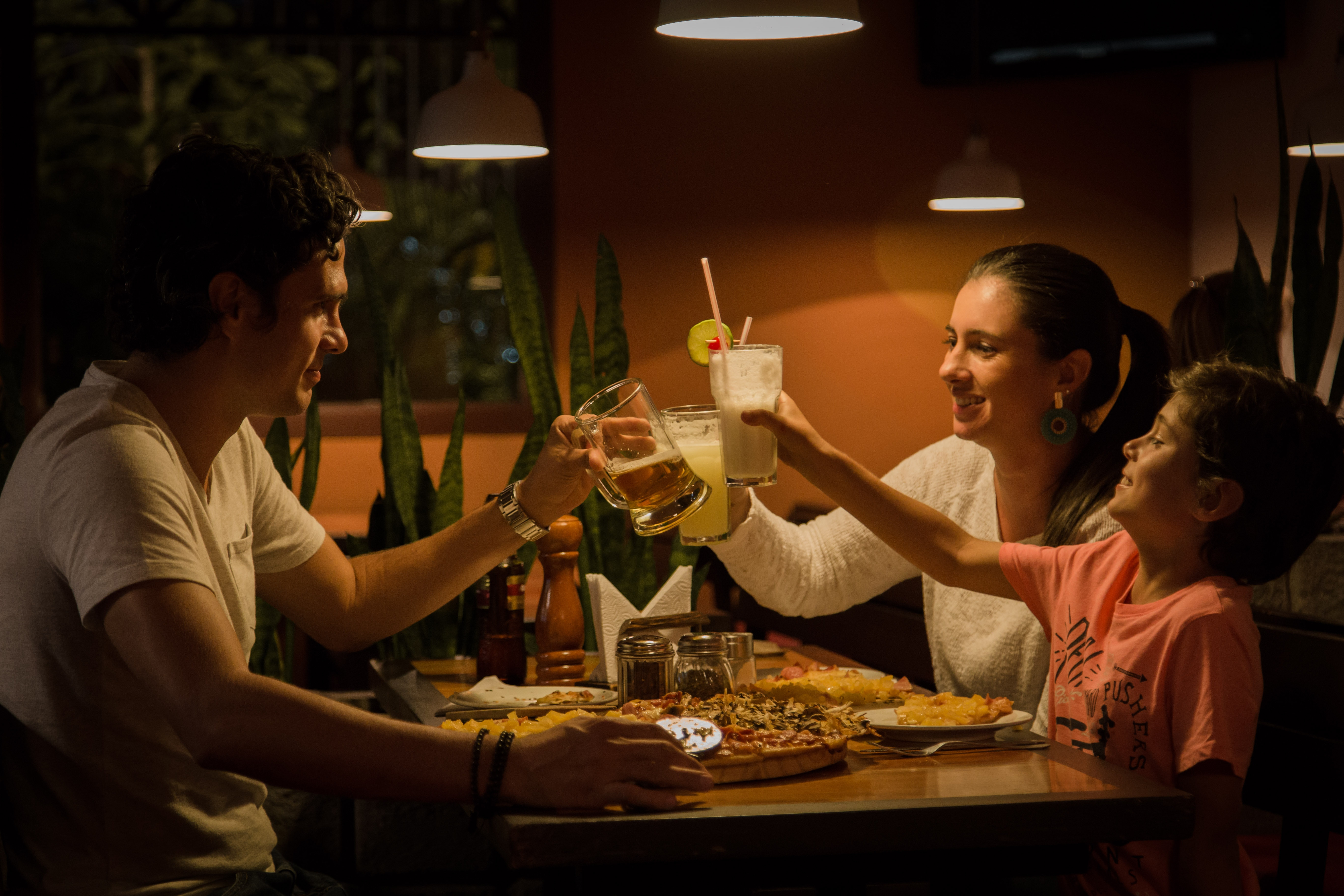 Zamawianie jedzenia online – zalety Domino's Pizza