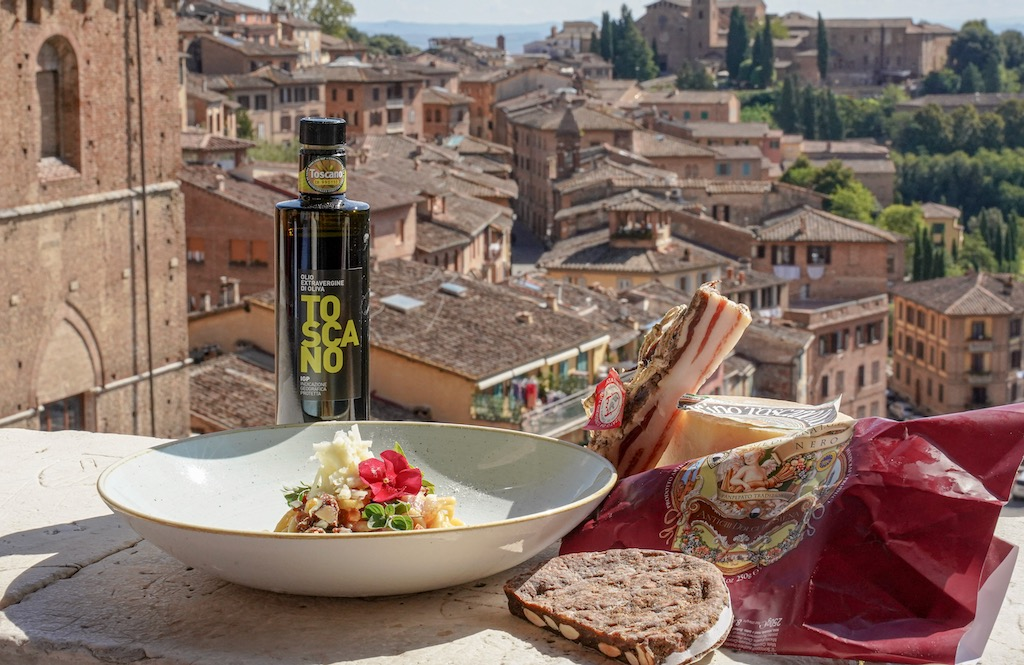 """Targi """"BuyFood Toskana"""" promują najlepszą włoską żywność."""